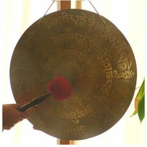 Gong Tibetano Modelo Om Mani Padme Hum